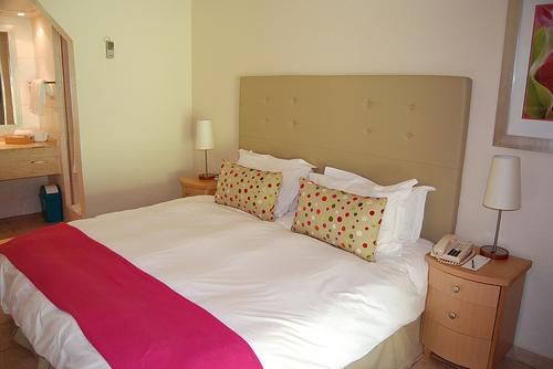 Standard Twin Lake Facing Rooms